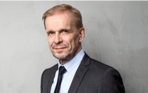 Jukka Puotila & 60 kutsumatonta vierasta